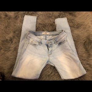 Hollister jeans With 24 Lengths 29
